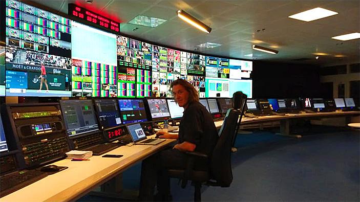 Op deze OmroepFoto : Master control NOS/Red Bee Media (Centraalpost)