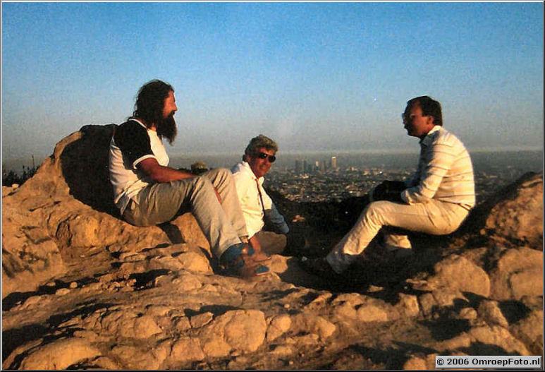 Foto 1-12. Los Angeles in de avondzon 1984.Ad Buursema, Onno Sluyter en Hugo van Duijvendijk
