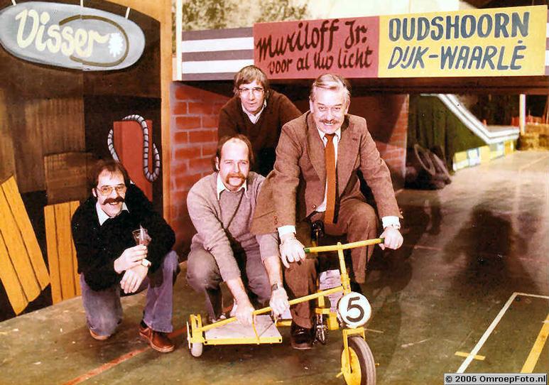 Foto 4-77 StedenSpel Arnhem. Theo, Bert, Piet (zonder snor ;-) en Frans