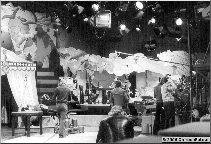 Foto 5-92. StudioProduktie - 1979 aan de tafel Ab Revoort