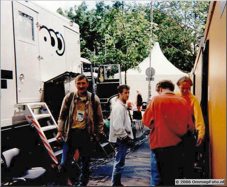 Foto 6-115. HuisFotograaf, Eus, Corn� en Danny bij EuroTop in Amsterdam 1997