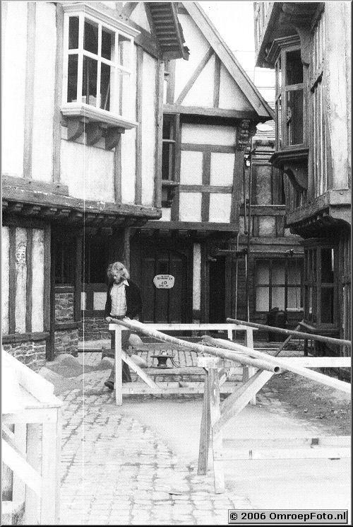 Foto 7-130. ATV Londen mei '76 Hans Chevalier op de set