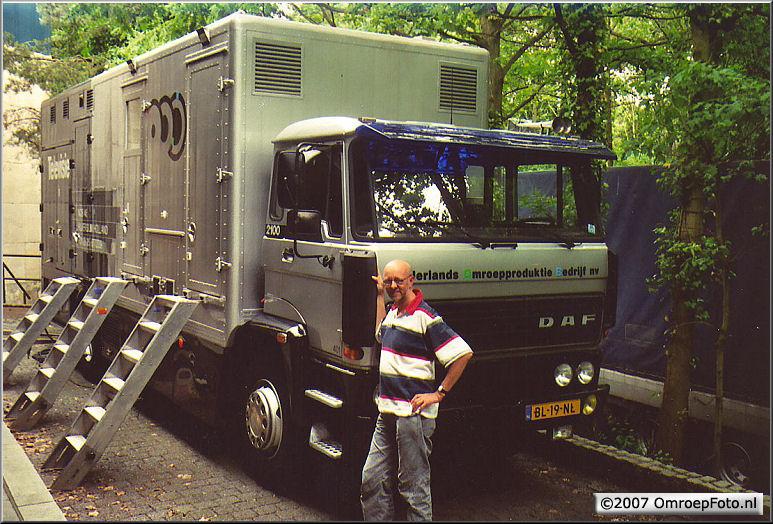 Doos 100 Foto 1983. Jan de Vries met de NOB 46, tijdens 'Toen was geluk...