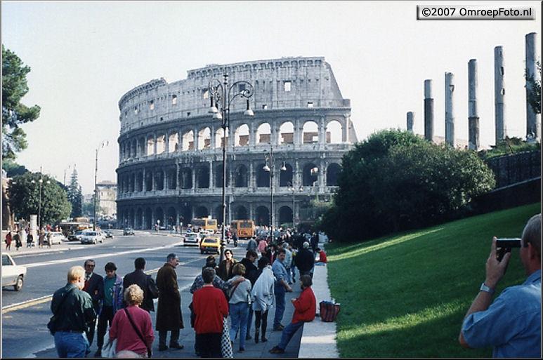 Doos 102 Foto 2031. Rome - ook het Colosseum stond in de belangstelling - Gert