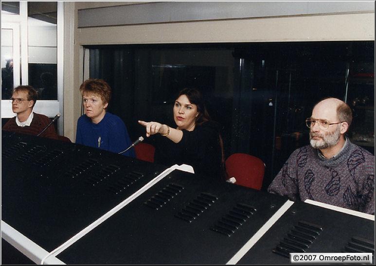 Doos 102 Foto 2035. Actualiteiten Studio - praatprogramma met Milou van Sprang, Jutka Salay regisseert