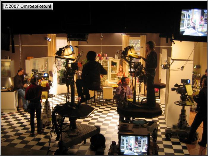 Doos 103 Foto 2044 'BoomMeisjes' in Studio-19 'Kinderen geen bezwaar'