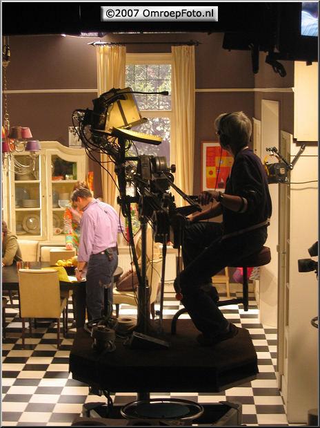 Doos 103 Foto 2047 'BoomMeisjes' in Studio-19 'Kinderen geen bezwaar'