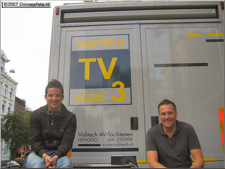 Doos 103 Foto 2052. Derek en Jan van VidiTech