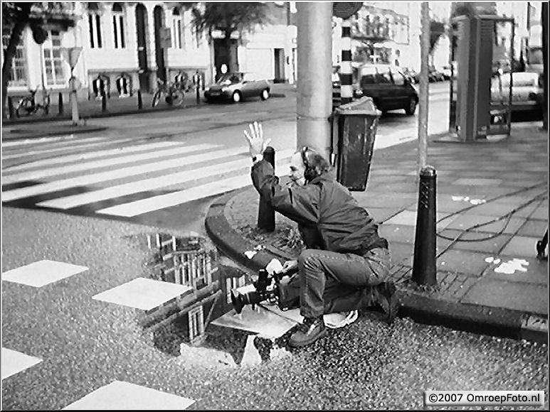 Doos 111 Foto 2218. Rob zwaait naar de trambestuurder