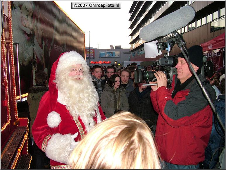 Doos 122 Foto 2439. Bob Kat filmt de Kerstman