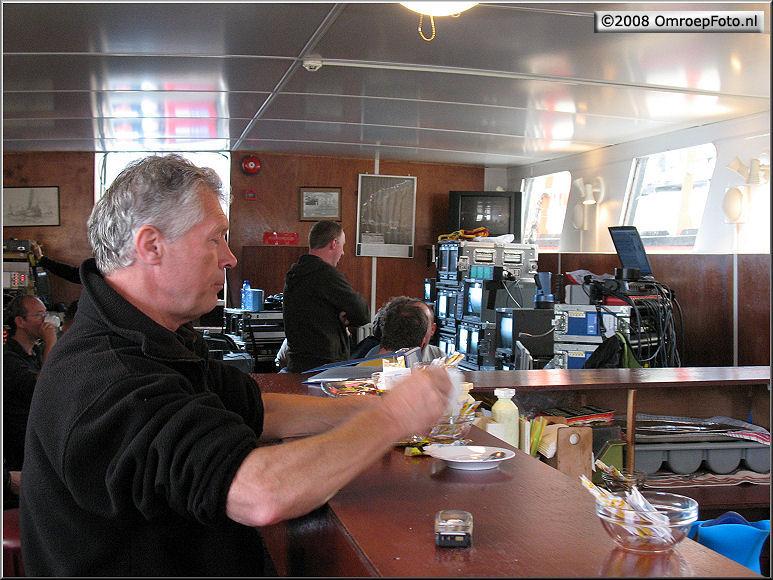 Doos 123 Foto 2442. 75 jaar Afsluitdijk. Ruud Splint neemt pauze