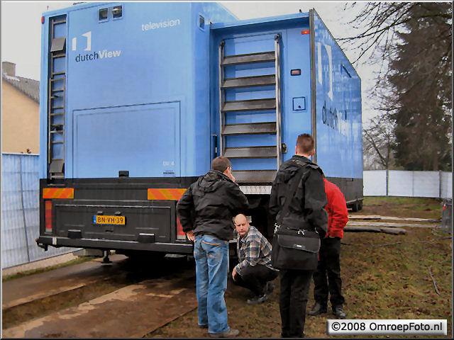 Doos 123 Foto 2458. Uitreiking Postcode Kanjer in Wijchen. Johan van Trierum plaatst de wagen