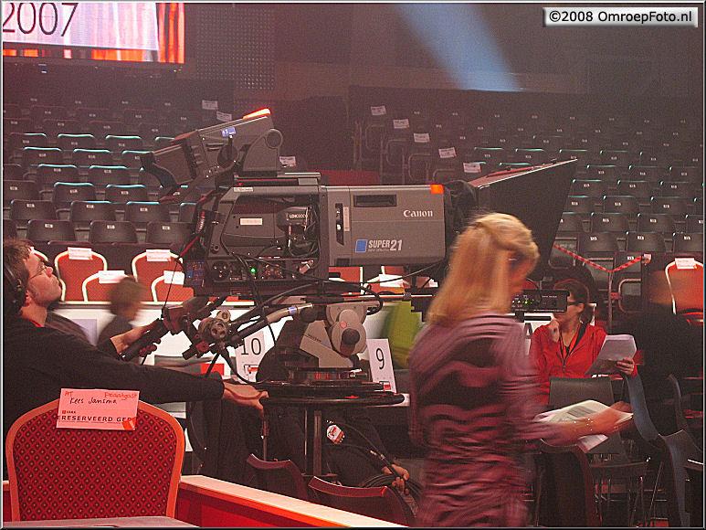 Doos 124 Foto 2468. TV Moment v/h jaar 2007. Ivo en HD cam LDK-8000