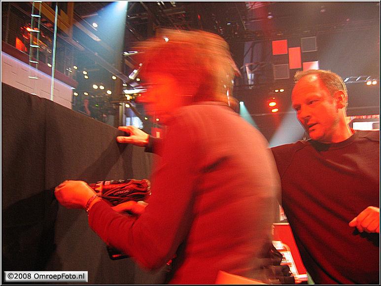 Doos 124 Foto 2470. TV Moment v/h jaar 2007. Toneelmeesters Heleen en John