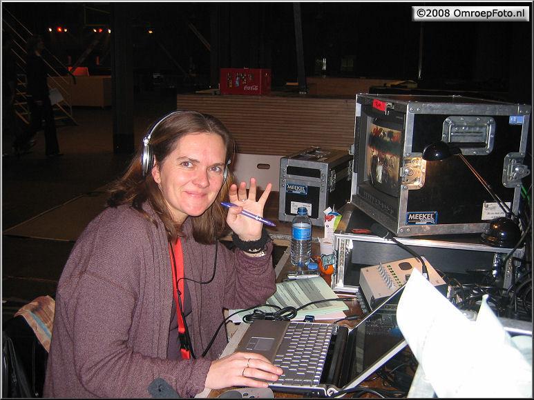 Doos 124 Foto 2471. TV Moment v/h jaar 2007. Altijd goed gemutst : Annemiek!