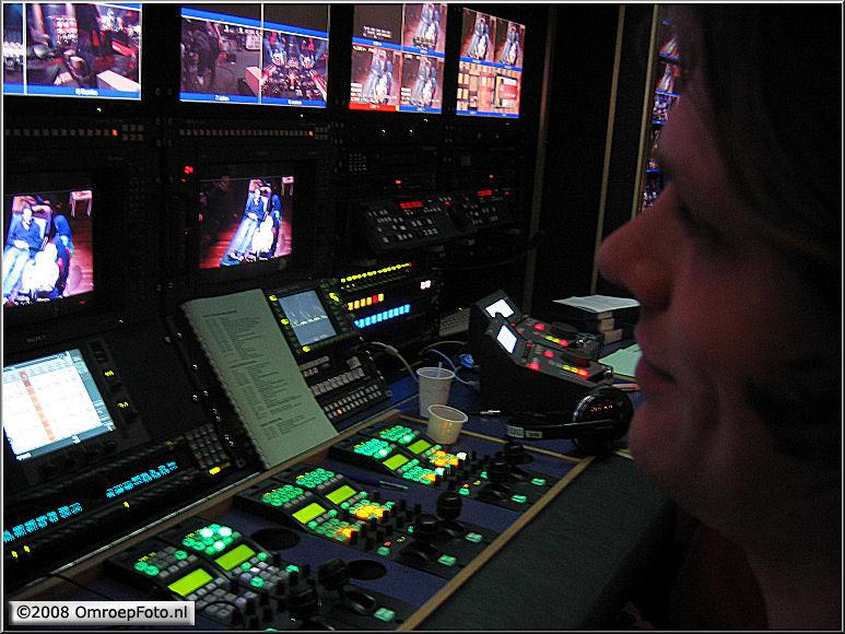 Doos 124 Foto 2474. TV Moment v/h jaar 2007. In de CCK van de DV-2