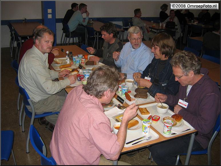 Doos 125 Foto 2484. Training LDK-8000. Lunch