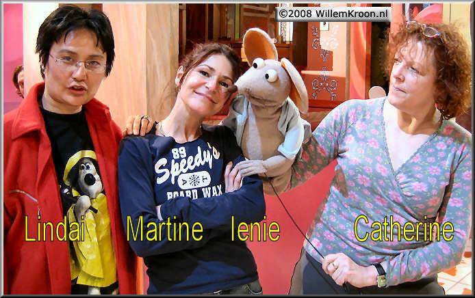 Doos 127 Foto 2524. Martine in Studio-2 met Ienie