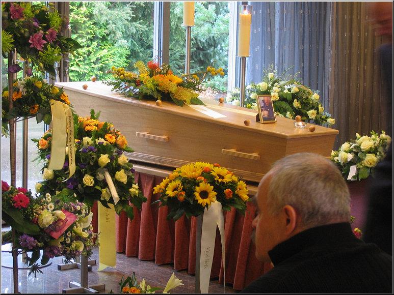 Doos 128 Foto 2550. Crematie van Adri Ottervanger