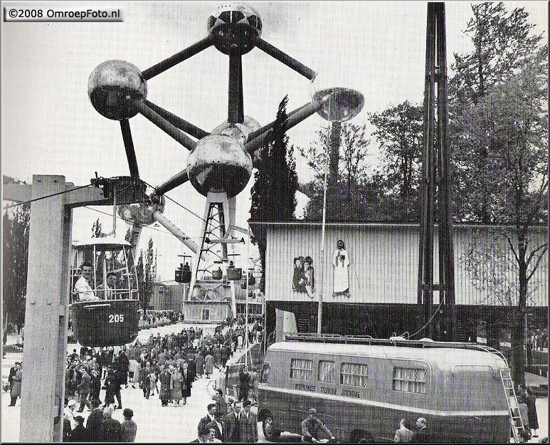 Doos 130 Foto 2585. Trein-2 (wagen-4) op de opening van de EXPO 1958 in Brussel
