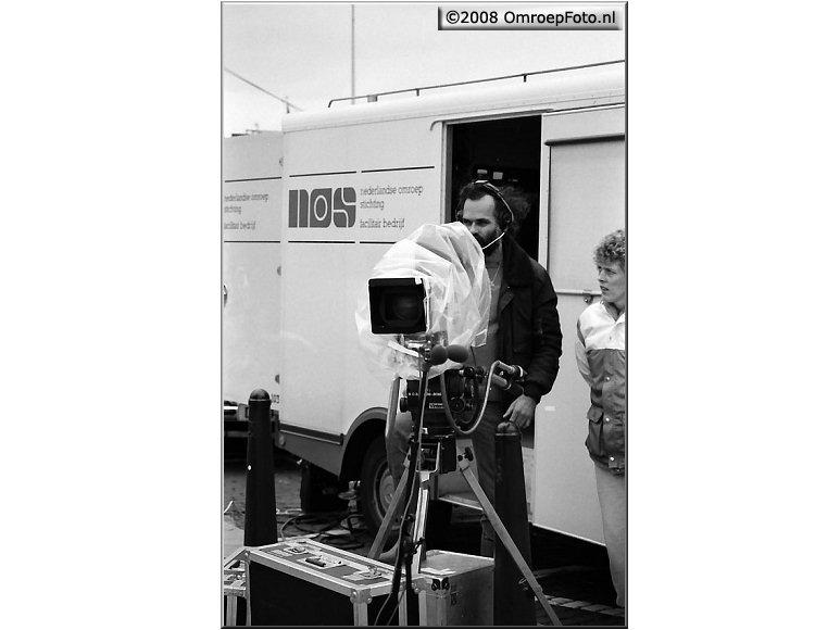 Doos 130 Foto 2586. Veroniva StrandRace 1987. Met Rob van den Houten