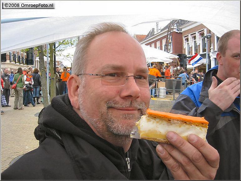 Doos 137 Foto 2739. Koninginnedag 2008. ...lekker van Hulskamp