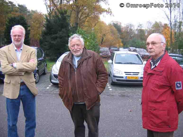 Doos 153 Foto 3042, Hylke, Leo en Hugo op de crematie van Onno Sluijter
