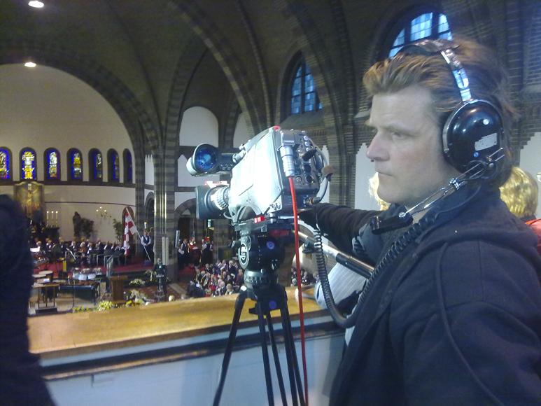 Doos 154 Foto 3074. KerkDienst voor Omroep Brabant. Jur heeft een wereldshot in gedachten :-)