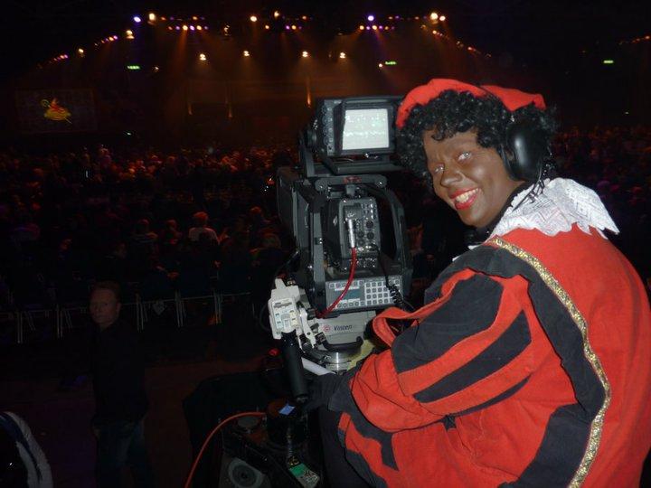 Doos 155 Foto 3098. Wie is deze leuke CameraPiet???