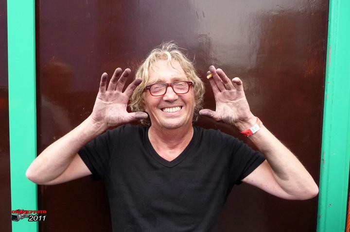 Op deze OmroepFoto : Harry maakt vanaf nu geen vuile handen meer! ;-)