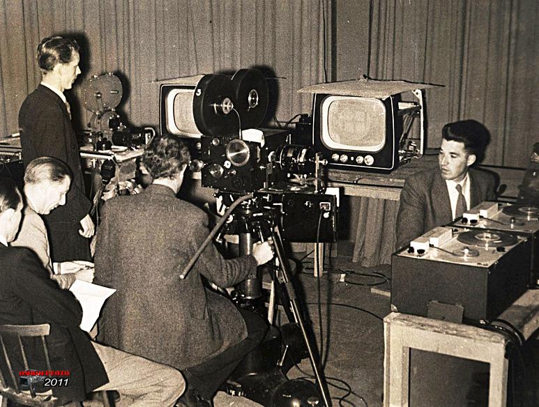 """Doos 164 Foto 3280. """"Screenrecording"""", de eerste mogelijkheid tot het maken van tv opnames"""