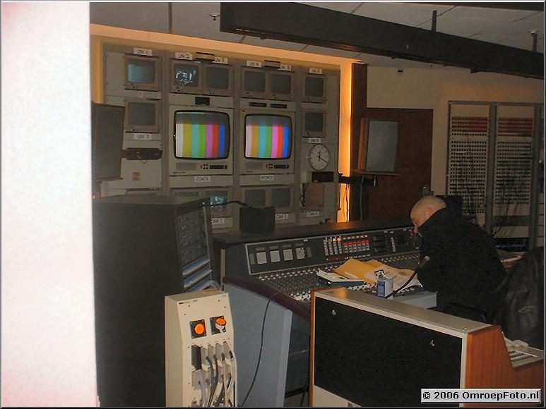 Foto 20-386 Studio-2. Ronald Trijber in de GRK.Aansluitpaal en Verrijdbaar Bedienpaneel in eigen beheer gebouwd