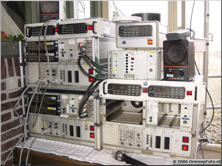 Foto 29-565. SinterKlaas Intocht 2002 MBS Mobiele Verbindingen levert al jaren de communicatie tussen de Pakjesboot, regie en camera's