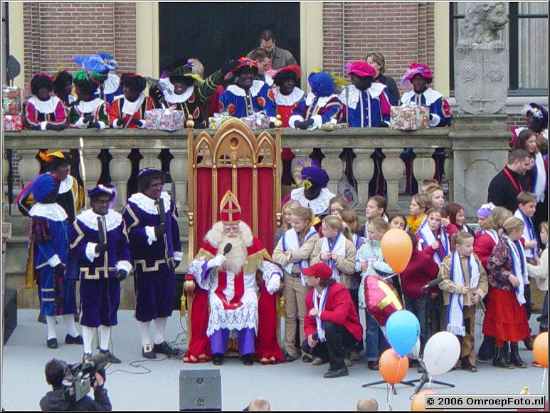Foto 29-572. SinterKlaas Intocht 2002