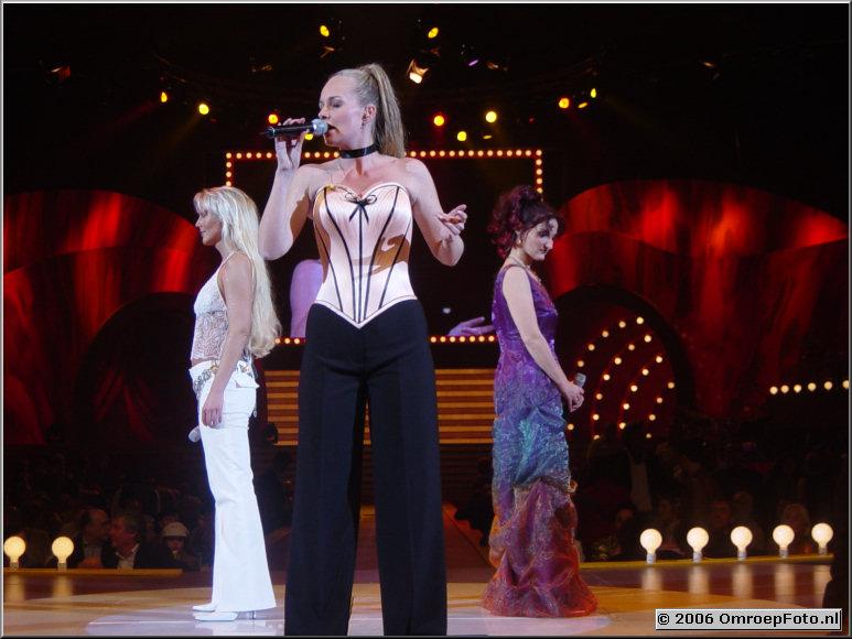 Foto 30-587. 'Song Festival 2003 '