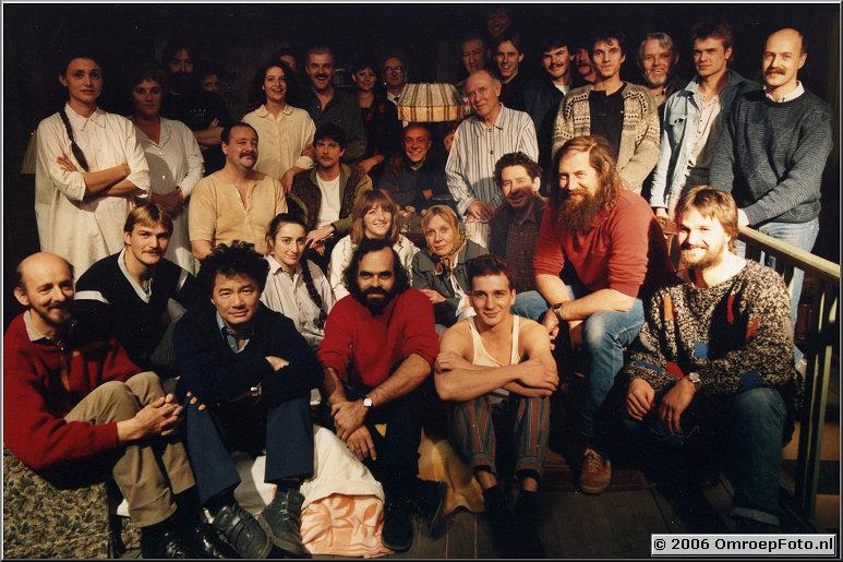 Foto 39-764. De cast en crew van de ProductieMet voor o.a. Jan de Vries, Ken Lee, Rob van de Houten.Regie Hank Onrust, hoofdrollen Jeroen Kr