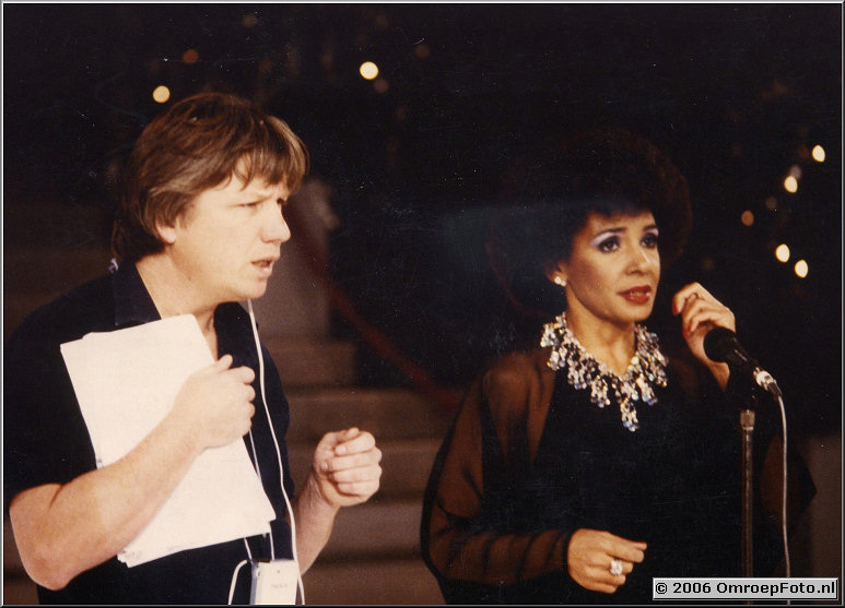 Foto 40-783. Showbizzquiz met Shirley Bassey