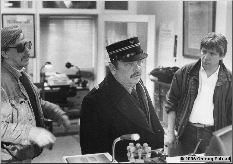 Foto 40-787. Filmopname 'Simenon' met Regisseur Jan Keja en acteur Piet Kamerman