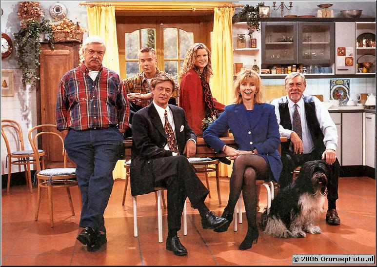 Foto 42-00837. De originele cast van de comedie 'Oppassen'