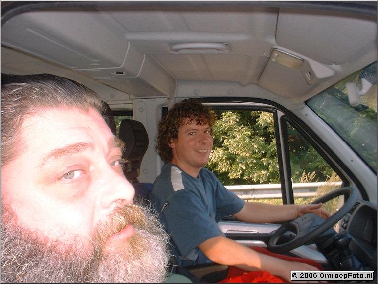 Foto 44-867. Oude shader laat jonge Martijn Crans rijden in ��n van de onvolprezen Caravelles