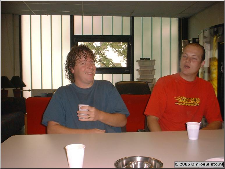 Foto 45-882. Martijn Crans en Jochem Middelveld zijn 'grootgebracht' bij Oppassen