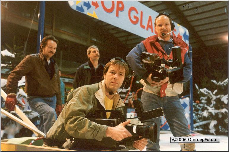 Foto 47-939. 'Op glad ijs'1989 Mark van het Woudt (rechts)