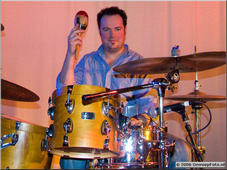 Doos 53 Foto 1051 Rob Wijtman, drummer van 'OcoBar'