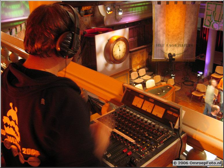 Doos 54 Foto 1079 Jongeren Lagerhuis in de Rode Hoed. Voorschuiven