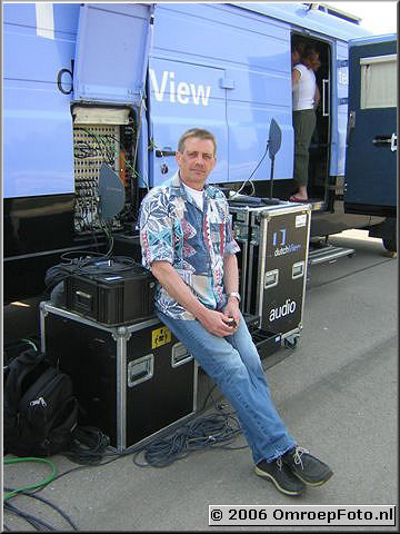 Doos 55 Foto 1096 Jan Kok op reportage!