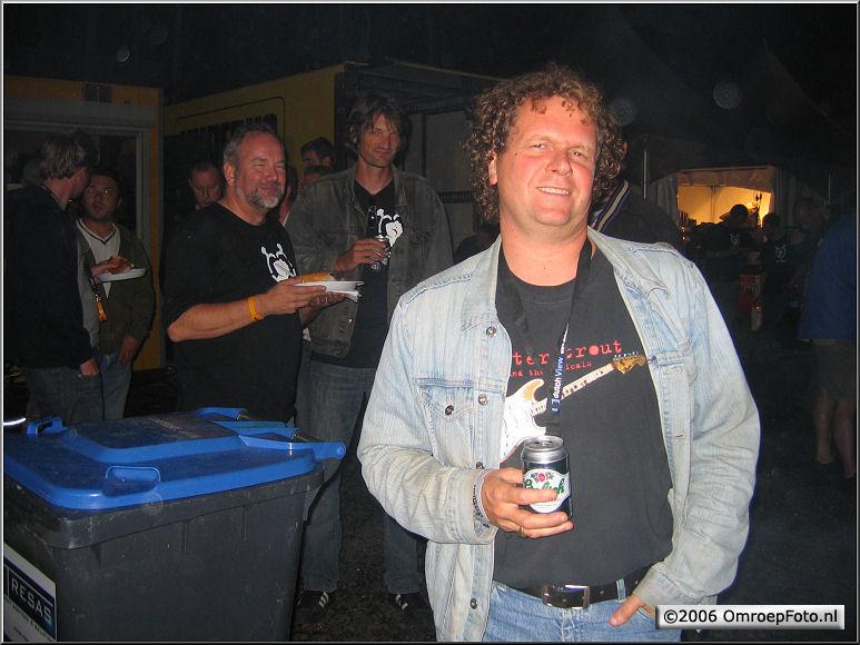 Doos 61 Foto 1209 Muzikant en geluidstechnikus Sjoerd van den Broek op LowLands 2006