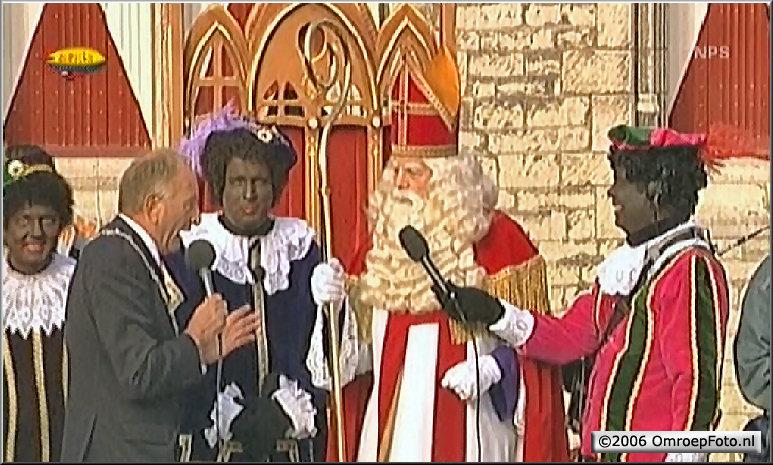 Doos 66 Foto 1316. 'Praatjes Piet' Erik Pierens bij de Sinterklaas Intocht in Middelburg 2006