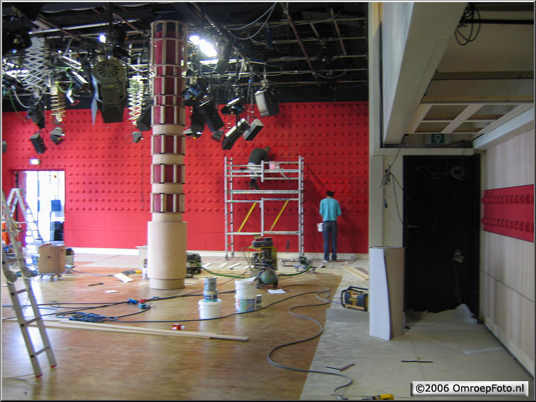 Doos 67 Foto 1335 DekorBouw 'De Wereld draait door' in Studio 1