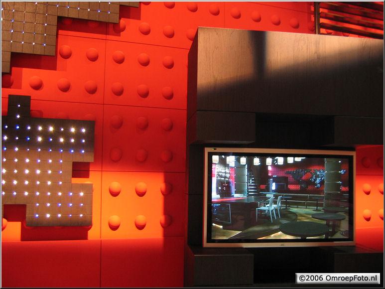 Doos 67 Foto 1338 DekorBouw 'De Wereld draait door' in Studio 1