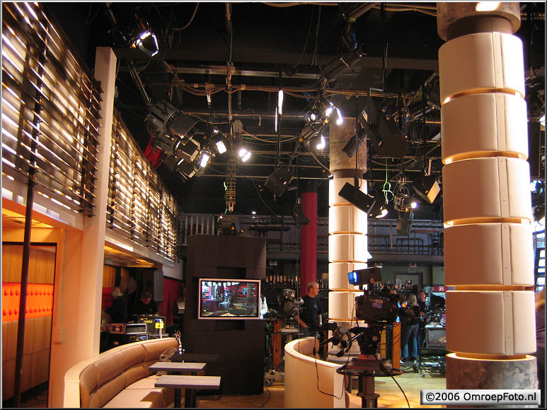 Doos 67 Foto 1339 DekorBouw 'De Wereld draait door' in Studio 1